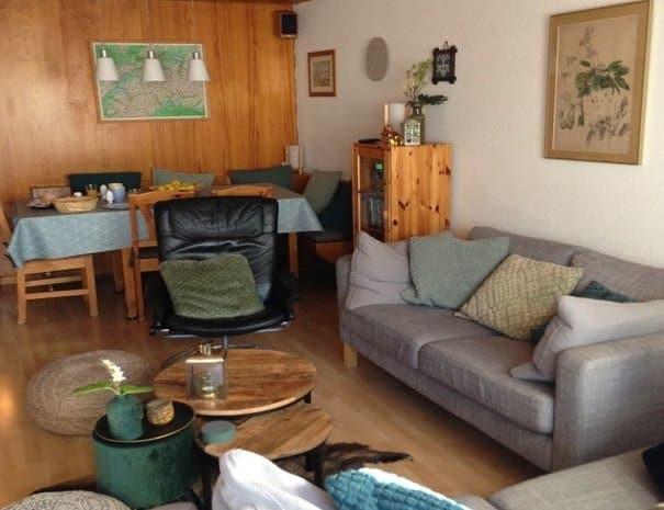Haus Myrrena living room apartment for 6 in Mürren