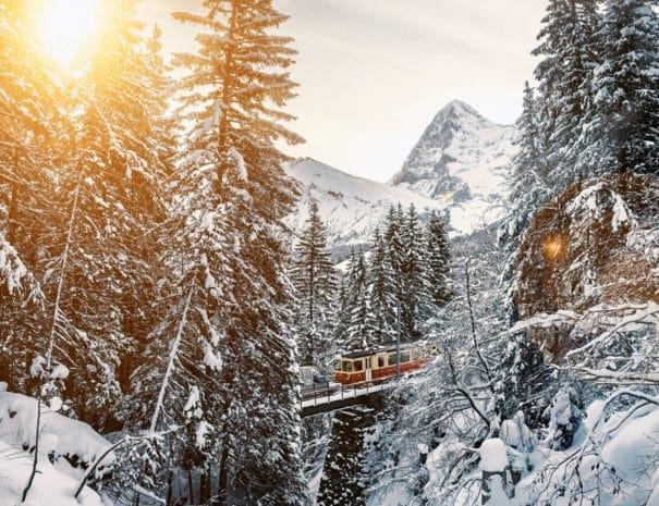bergbahn-lauterbrunnen-muerren-eigernordwand-winter