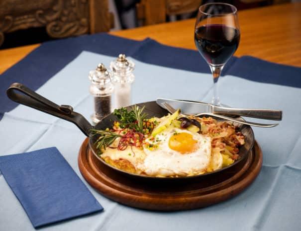 restaurant-eigergletscher-kleine-scheidegg-roesti